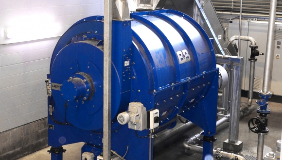 dry cleaner friction separator