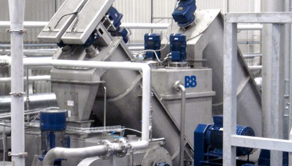 friction separator to wash highly contaminated plastics