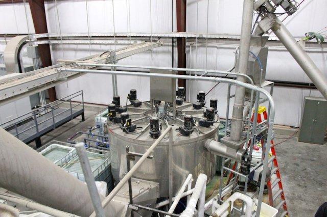 Heißwaschmaschine zum Entfernen von Etiketten und Verunreinigungen